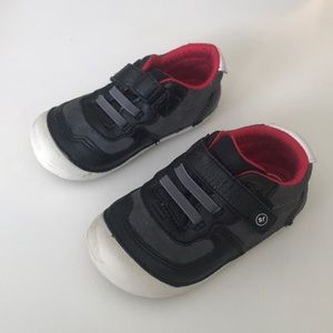 Stride Rite Sm Barnes toddler sneakers size 6